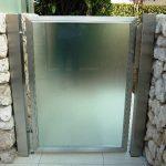cancello inox e cristallo e cassetta postale (2)